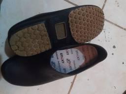 Sapato antiderrapante