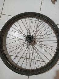 Título do anúncio: Vendo pneu meia vida com aro traseiro pra monark