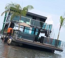 Barco Flutuante Catamarã