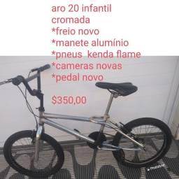 Bicicleta aro  cromada