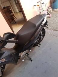 Biz 125 (entrada a partir de R$ 900,00)