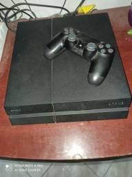 PS4 usado  vai um controle .