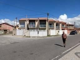 Casa duplex frente mar em Unamar