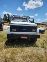 Caminhão D13000 87 - 1987