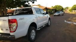 Ford Ranger XLT 3.2 automática - 2014
