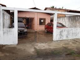 Aluga se casa Maruda para REVEILLON avenida Atlântica uma Rua antes da orla zap *