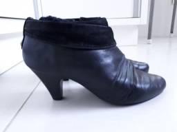 3 pares de Sapatos e bota de couro (usados em excelente estado)