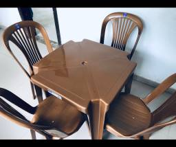 Jogo de 1 mesa e 4 cadeiras - R$155,00(CONSULTE AS CORES DISPONÍVEIS)