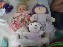 3 bonecas