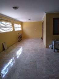 Vende se uma casa no Conjunto Tambaú  na  Av