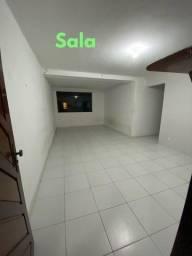 Bairro Latino - 1º andar - 98m2 - 3q sendo uma suíte