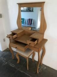 Penteadeira clássica de madeira!