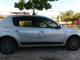 Carro Sandero privilégio automático ano 2012