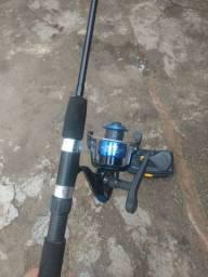 Vara de pesca , com caixa de anzol
