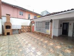 Campo Grande - Casa, sala 2 ambientes, 2 dormitórios, churrasqueira e 4 vagas