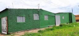 Vendo 2 casas com 3qts., saídas independentes, excelente localização no 2HI - Novo Gama