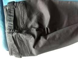 Vendo calça preta sarja adulto.