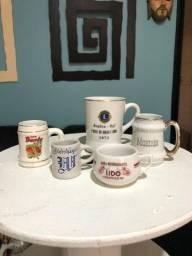 Canecas pequenas e médias de chopp de porcelana da década de70