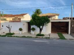 Vendo Casa com Piscina em Condomínio na Santa Amélia.