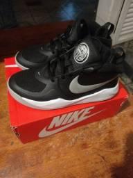 Título do anúncio: Tênis Nike infantil 35