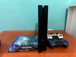 Vendo PS4 + 2 CONTROLES + 3 JOGOS