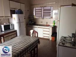 Casa á venda no Jd. Nazareth, Próximo a Unesp, de fácil acesso ao centro, de 3 dormitórios