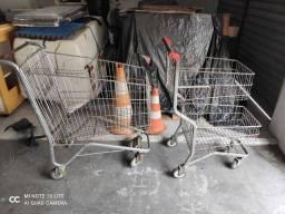 2 Carrinhos de aco supermercado