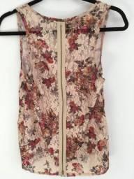 Blusa em renda floral