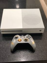 Título do anúncio: Xbox One S - c/ controle e 2 jogos sem caixa
