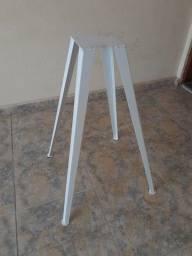 Base de metal para mesa