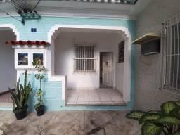 Alugo casa de Vila na Penha