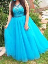 Título do anúncio: Vendo vestido de 15 anos azul