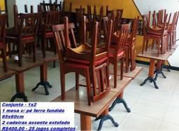 Jogo de mesa com 2 cadeiras estofadas