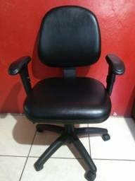 Cadeiras muito boa tenho 50 unidade