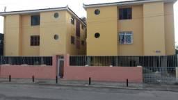 Apartamento com 3 dormitórios à venda, 106 m² por R$ 220.000 - Antônio Bezerra - Fortaleza