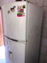 Geladeira (Refrigerador) Cônsul