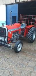 Trator MF 235