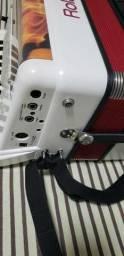 Sanfona Roland FR1