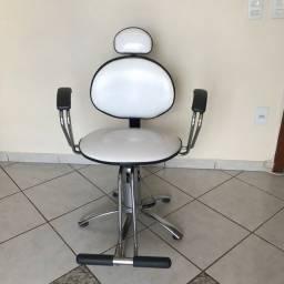 Cadeira hidráulica e reclinável