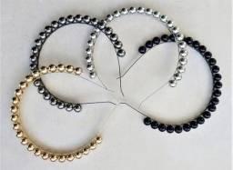 Tiara de bolas, pérolas, aveludadas (loja física)
