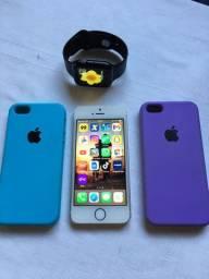 iPhone 5S e relógio digital