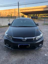 Civic EXS top de linha