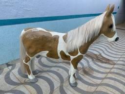 Cavalo de fibra de vidro para decoração / estúdio fotográfico
