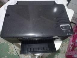 Máquinas de estampar roupa e caneca