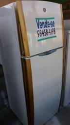 Vendo Geladeira G E  2 portas