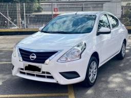 Nissan Versa 1.0 - Completo/48.000km/Impecável