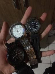 3 relógios falta pilha