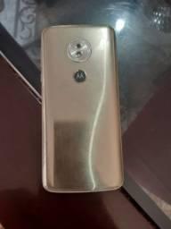 Troco esse moto G6 play  por um celular Samsung. J5 J7 ou J8.