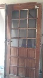Vendo porta e Castilho em boas condições.