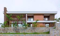 Casa em Cond.Fechado, 04 suítes , 04 vagas com 458m²- Lagoa Conceição-R$ 3.500.000.00